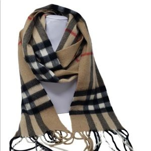 Gorgeous Iconic Burberry Cashmere Scarf